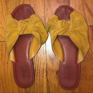 American Eagle Bow Slide Sandals